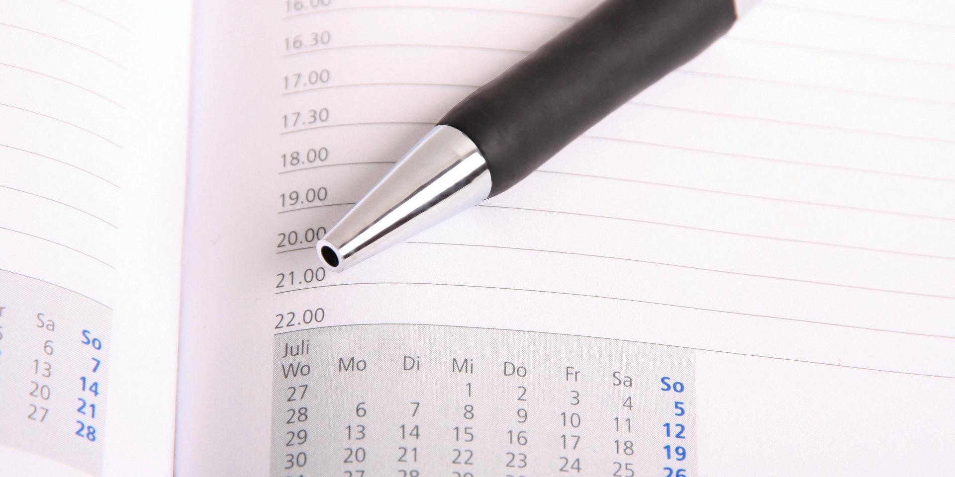 Terminkalender mit Kugelschreiber